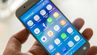 Nå er Samsungs mellomserie endelig vanntett