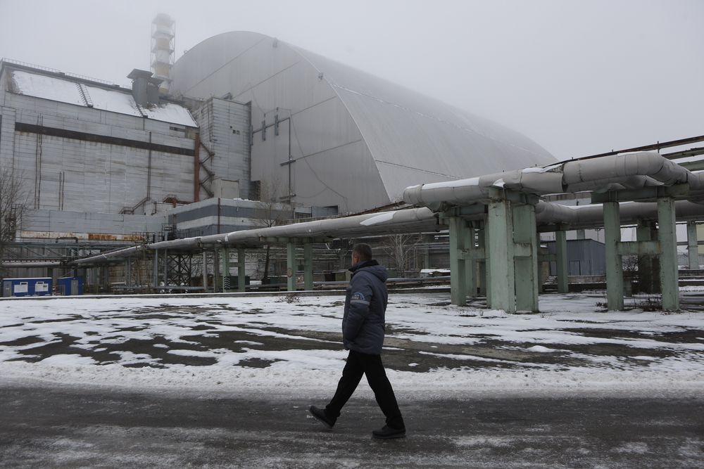 Den nye stålhvelvingen over reaktor 4 har allerede ført til en halvering av bakgrunnsstrålingen ved kraftverket i Tsjernobyl