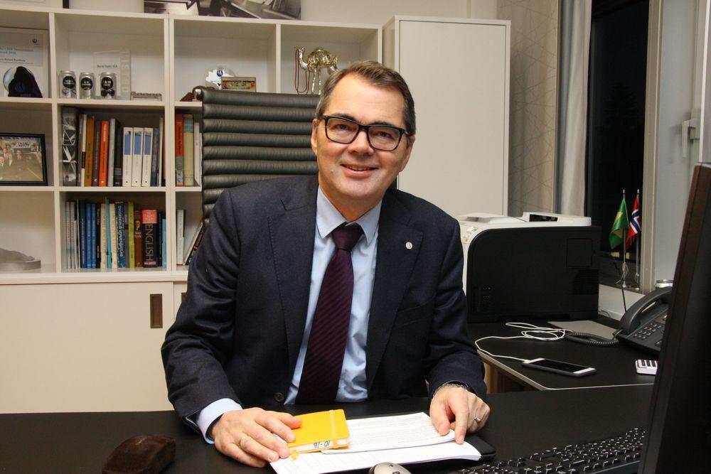 Svein Richard Brandtzæg begynte som sommervikar i Hydro i 1979 og jobbet seg opp til han i 2009 ble utnevnt til konsernsjef.