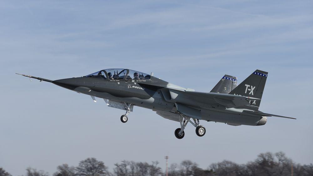Boeing og Saab brukte kun tre år på å designe, bygge og få dette flyet i lufta