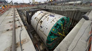 Big Bertha havarerte og sto fast i to år. I Norge ligger tunnelboremaskinene i Follobanen foran skjema