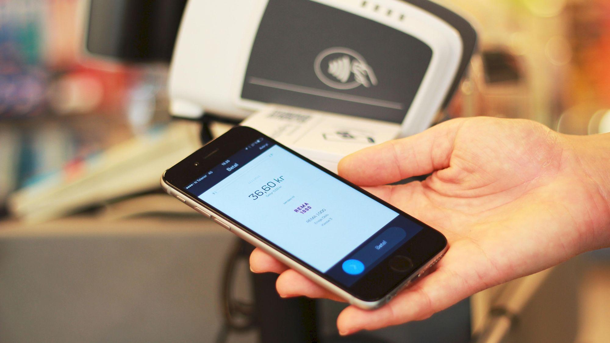 fa5ebcd3 Med en ny løsning kan du betale med mobilen i nær sagt alle butikker ...