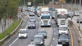 Når piggdekk skiftes til sommerdekk øker sjansen for ulykker – for alle bilister