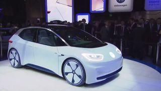 Volkswagen-fabrikken har 7700 ansatte. De skal produsere 1500 elbiler hver dag