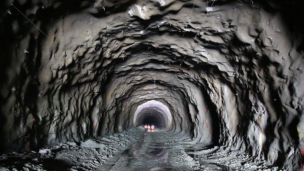 Den spanske entreprenøren OSSA ble kastet ut av Sørkjostunnelen av Statens vegvesen etter laber fremdrift.