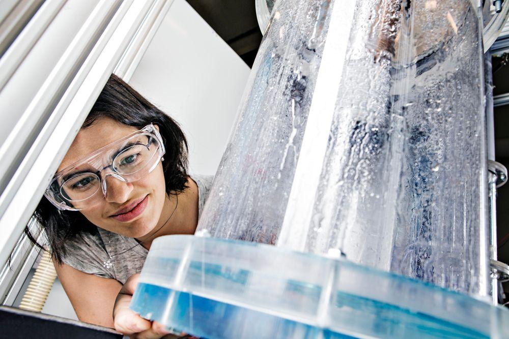 Maria Fernandino er én av NTNU-forskerne som kom opp med det nye konseptet for separasjon av gass og væske.