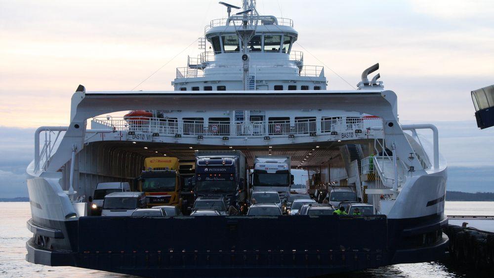 Hvert år frakter Bastø-Fosen ca. 1,5 millioner kjøretøyer og 3,5 millioner mennesker over Oslofjorden.
