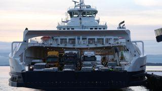 Kapteinen tok med ny ferge på testtur i ekstremværet «Urd»: – Gikk over all forventning