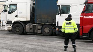 Jukser med utslippene fra lastebiler: Fjerner renseteknologi for å kutte kostnader