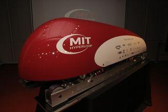Transportkapselprototype utviklet av MIT Hyperloop.