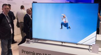 Samsung 2017- TV-er Samsung med 82 tommer i sin 7-serie