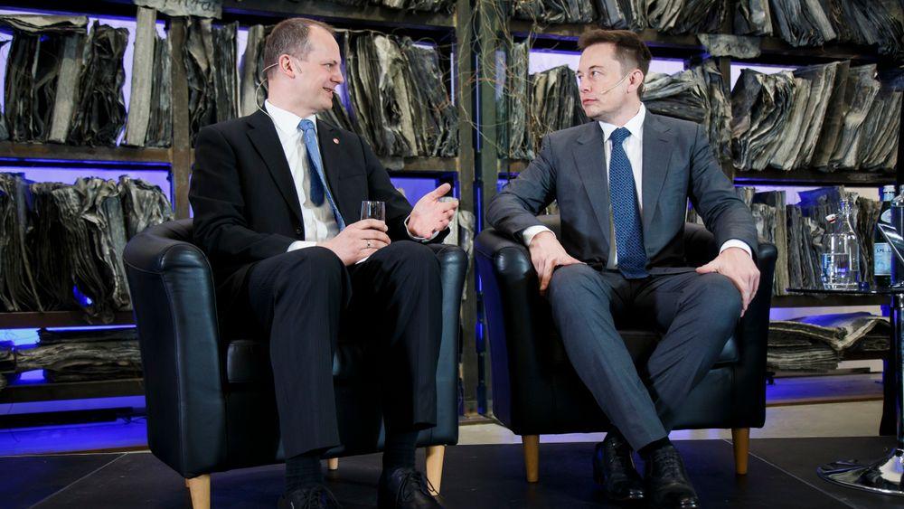 Ketil Solvik-Olsen sammenlikner Elon Musk med Henry Ford. De møttes under et seminar i Oslo i fjor vår. – Tenk om vi fikk Elon Musk til å etablere batteriproduksjon i Norge, sier han.