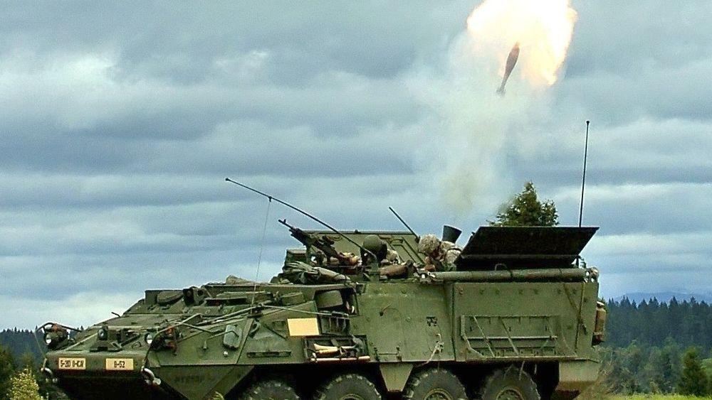 Dette er en amerikansk Stryker bombekastervogn, som er basert på Piranha III  - der sveitserne nå skal bruke Protector til målangivelse.