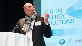 Andreas Klugescheid, Head of Steering Government and External Affairs, BMW, under foredrag på Nordic EV Summit.