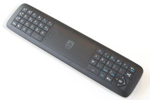 Den andre siden har et fullverdig tastatur.