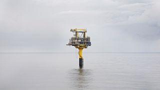 Den danske plattformen Tyra synker. Det kan stoppe produksjonen på norsk gassfelt allerede til neste år