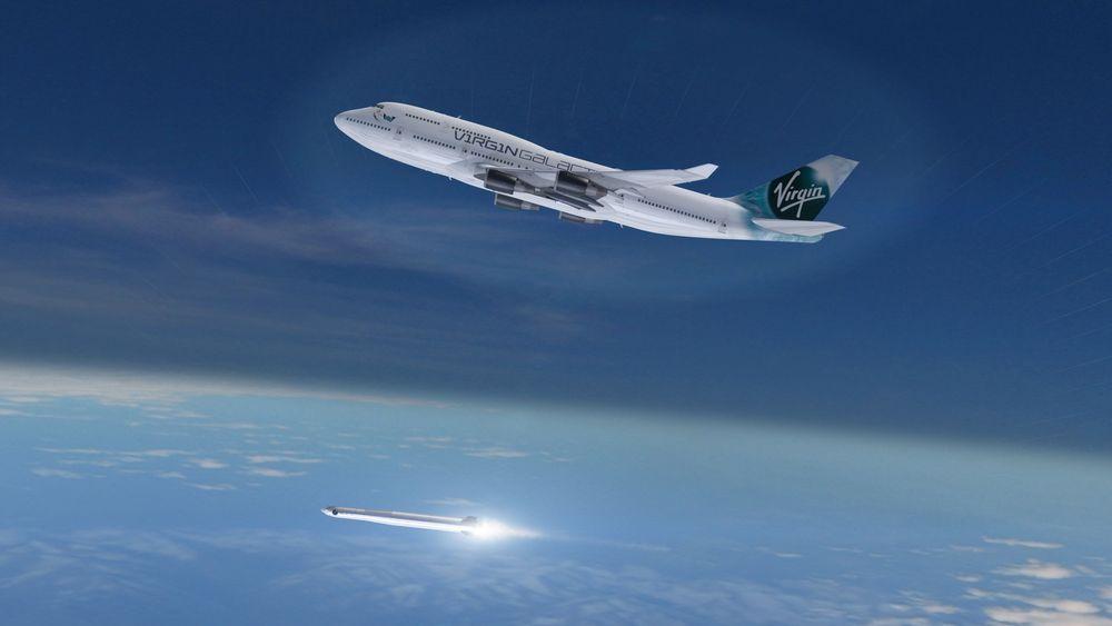Cosmic Girl skal fly bæreraketten opp til 35 000 fot før den slippes og frakter satellittene videre til sine baner.