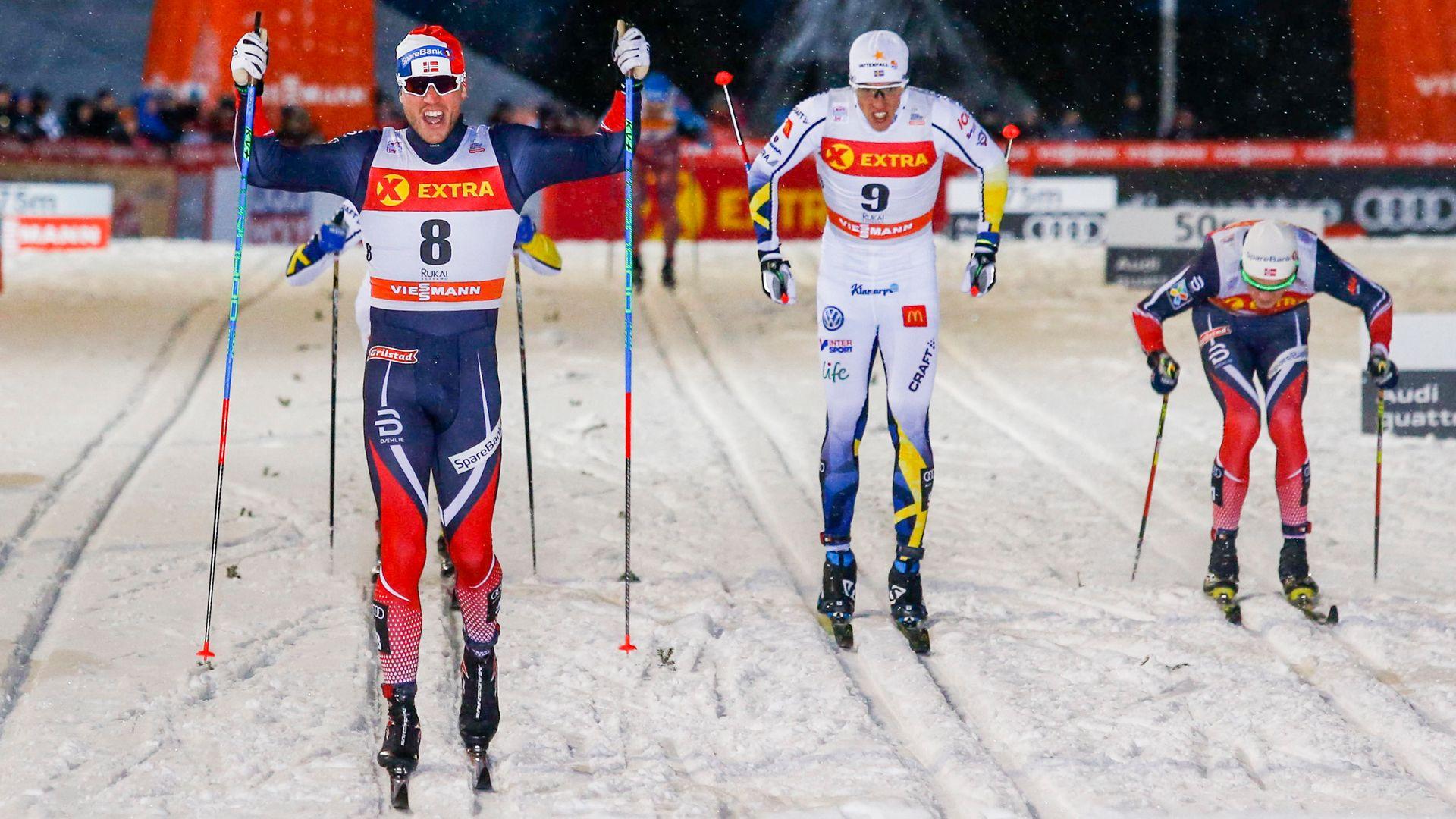 Ruka, Finland 20161126. Pål Golberg (8) vinner foran svenske Calle Halfvarsson  (9) og Johannes Høsflot Klæbo (th) i lørdagens sprintfinale i verdenscupåpning i Ruka. Foto: Terje Bendiksby / NTB scanpix