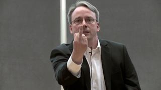 Linus Torvalds om IT-bransjens innovasjons-fokus: – Det er pisspreik!