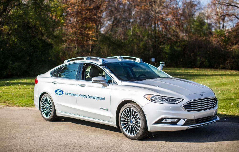 Ford viste i desember frem sitt nyeste utviklingskjøretøy for autonom teknologi, basert på modellen Fusion hybrid, bedre kjent som Mondeo i Europa.