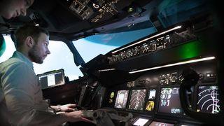 Kan en uerfaren passasjer overta og lande et Boeing 737?