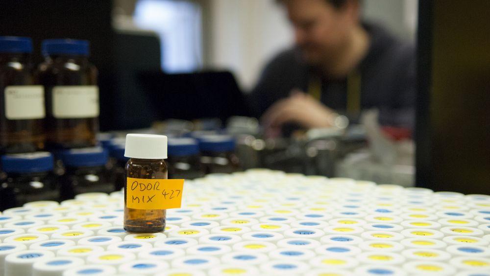 49 frivillige luktet på 476 ulike ampuller som ledd i lukt-prosjektet.