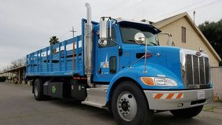 Denne hybrid-lastebilen brukes til å sikre strømforsyningen