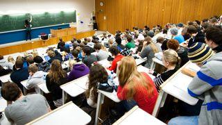 Norske studenter svikter petroleumsfag – men de utenlandske strømmer til