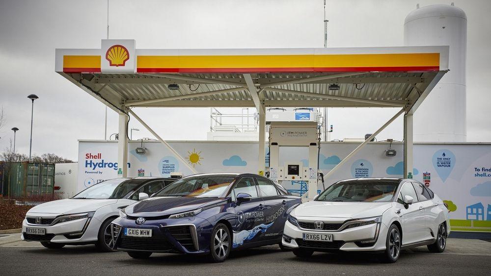 Fra åpningen av en hydrogenstasjon fra Shell i Storbritannia tidligere i år. Det er ITM Power som leverer disse stasjonene.