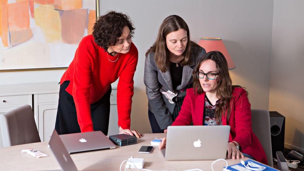 Dette er de tre nominerte til kåringen. Fra venstre: Marianne Haugland Hindsgaul, Bubbly Group, Siv Hilde Houmb i Secure-NOK og Nuria Espallargas i Seram Coatings.