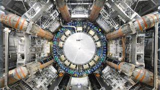 LHC ble bygget som en oppdagelsesmaskin inn mot det ukjente. Nå er enda større maskiner på tegnebrettet