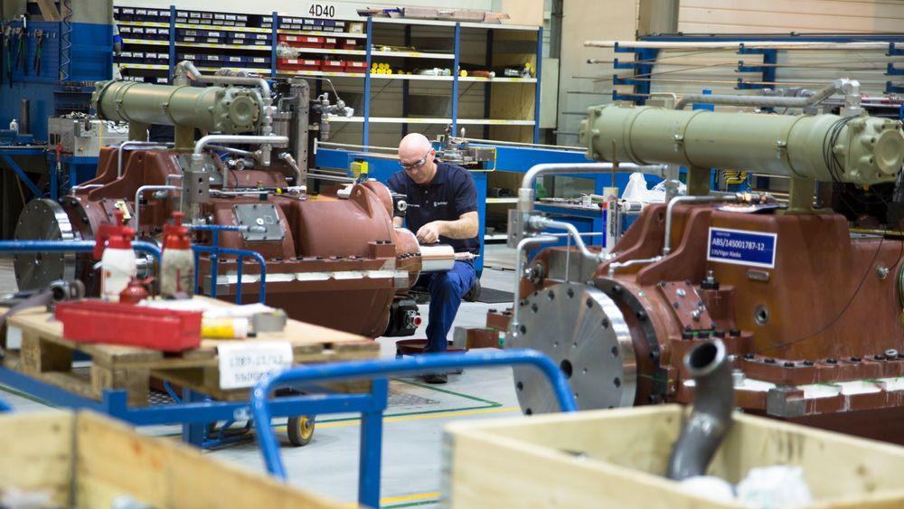 Etter oppkjøpet av Rolls-Royce, har Kongsberg fått gir og propellverksted i Ulsteinvik. Her fra girproduksjonen.