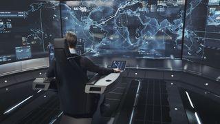 Her sitter skipskapteinen på land og har kontroll over mange titalls skip