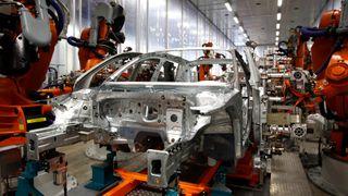 Bilindustrien endrer seg. Det passer Hydro godt