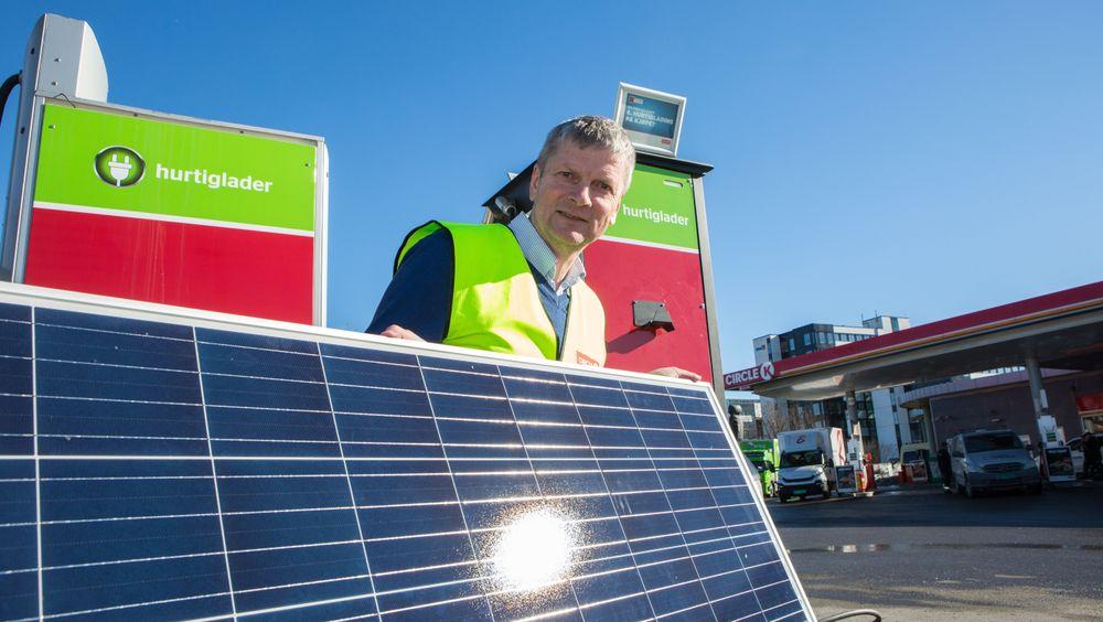 Circle K på Økern i Oslo får solceller installert på taket. Disse skal dekke 10 prosent av forbruket på stasjonen.