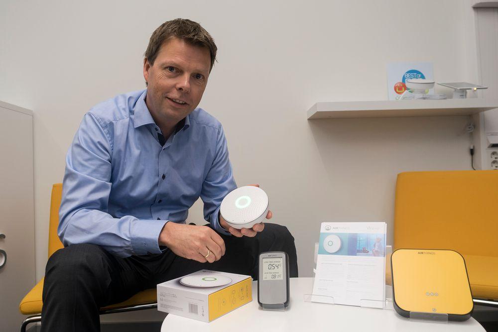 Slo an: Øyvind Birkenes har fått 4000 bestillinger på Airthings nye multisensor siden de viste den frem på CES-messen i januar,