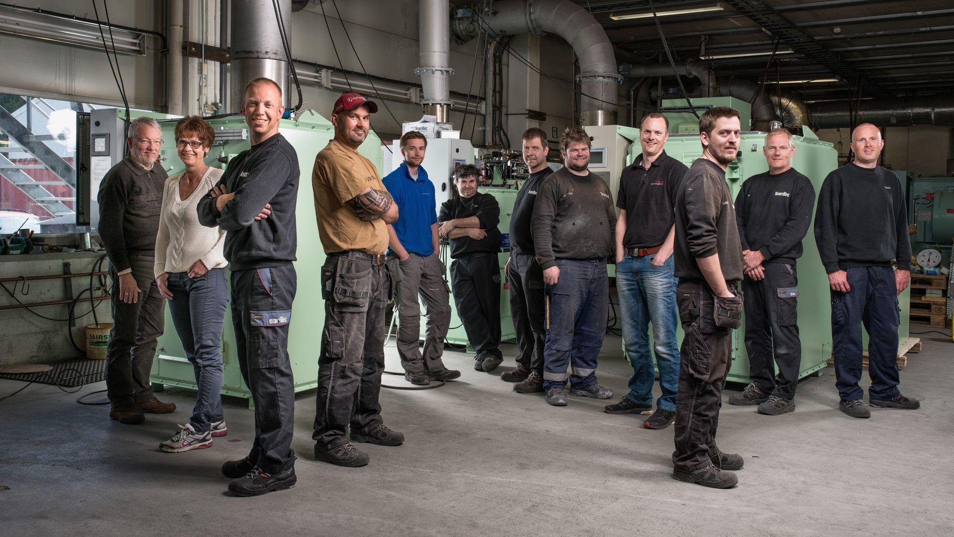 TeamTec utvikler, produserer og leverer forbrenningssystemer og scrubbere. Kristian Kristoffersen er teknisk sjef, og står som nummer fire fra høyre.