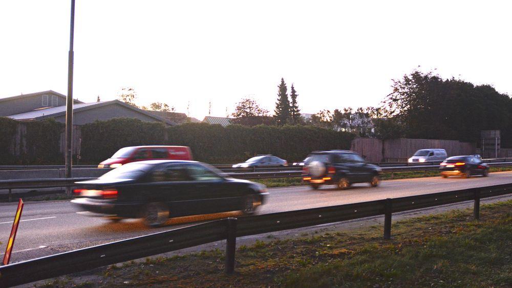 Storskjermer langs motorveien som går rundt Moskva viste i fjor høst en Jaguar-reklame hver gang en BMW X5 kjørte forbi. Det vil trolig ikke være aktuelt på norske motorveier.