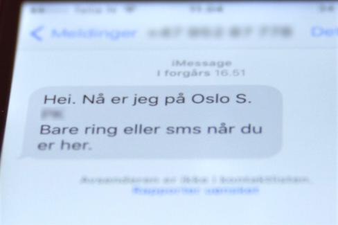 Spenningen er til å ta og føle på davi entrer avgangshallen i Oslo S.