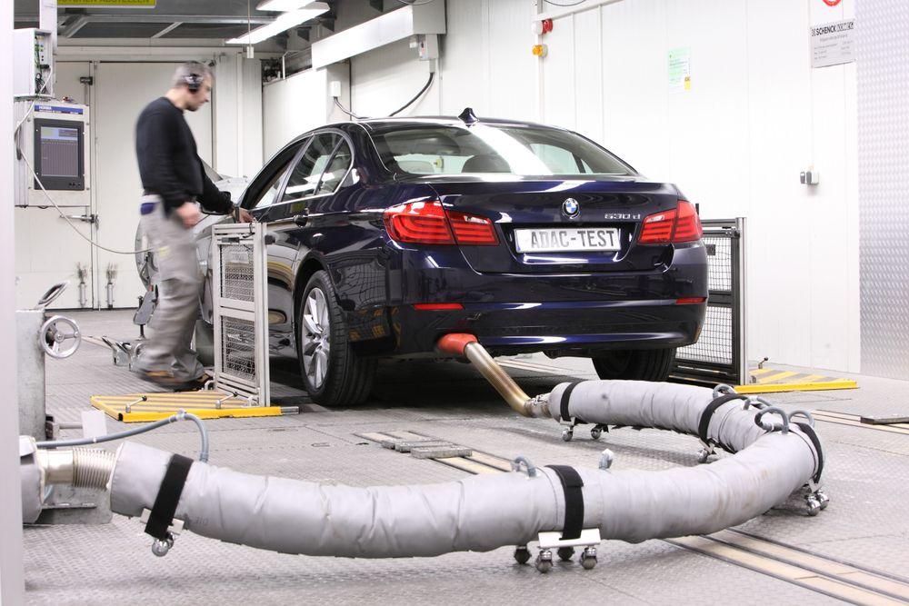 Avgasstesting av BMW 530d i mars 2010.