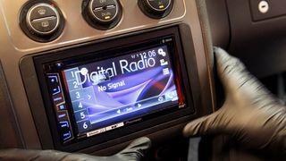 Flere radiokanaler får bot etter å ha brutt reglene for sending på FM. Illustrasjonsfoto.