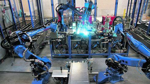 MIT-rapport: Når robotene flytter inn, flytter arbeiderne ut
