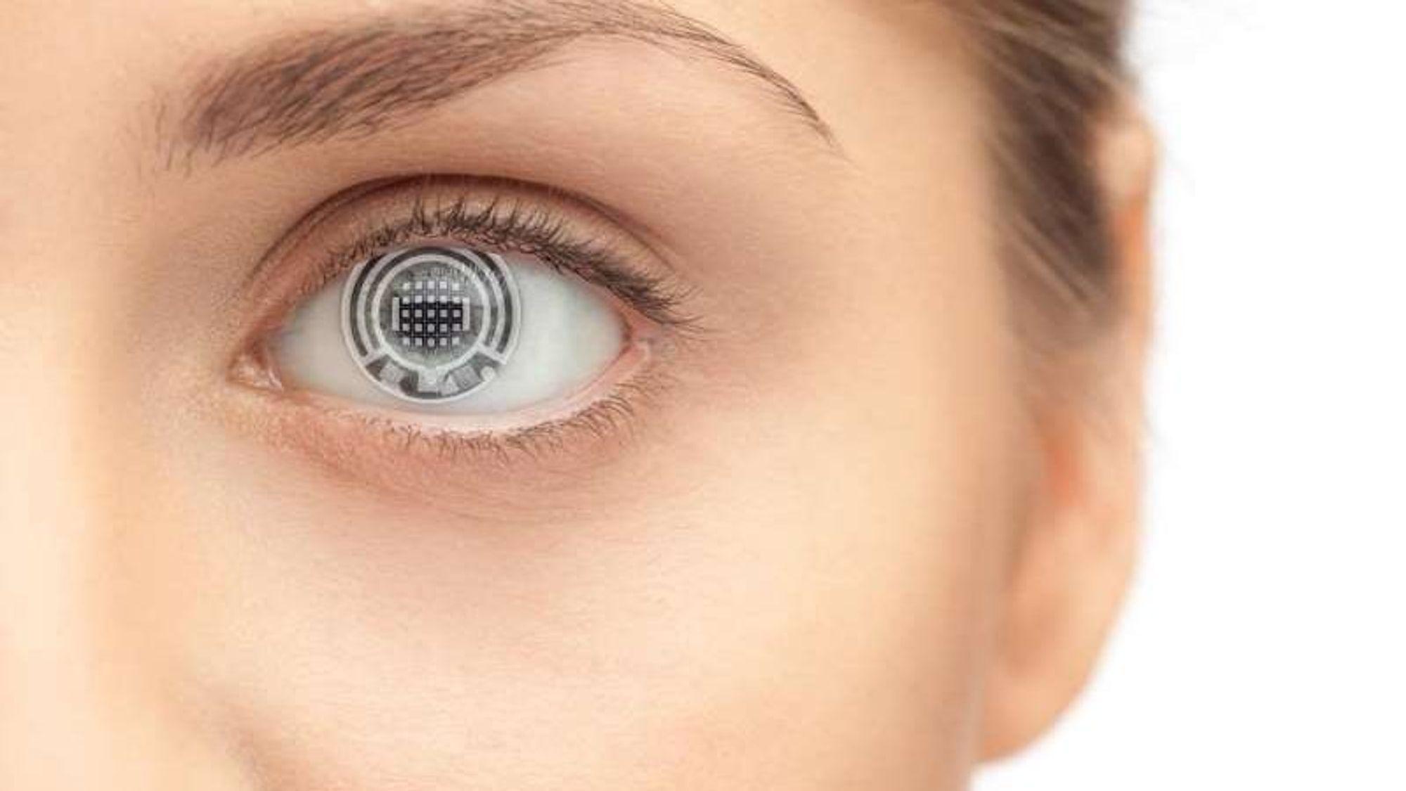 Det amerikanske forskerteamet bak biosensoren mener de kan få plass til 2.500 biosensorer inn i en kontaktlinse, som dermed kan overvåke forskjellige former for sykdommer.