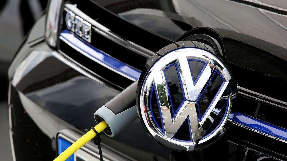 Volkswagen tvinges til å bygge nettverk av hurtigladere i USA.