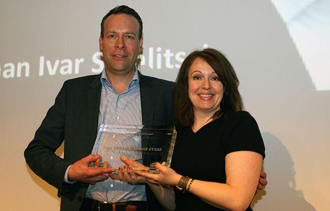 Årets ehandelsleder bleJaan Ivar Semlitsch (CEO Elkjøp Nordic).Prisen ble delt ut av Anna Borg fra Klarna.