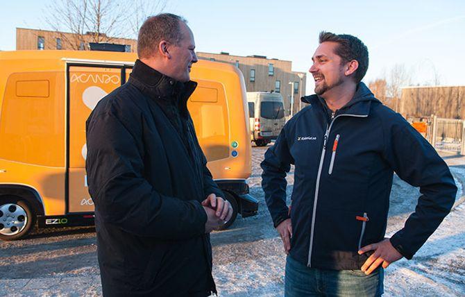 Ketil Solvik-Olsen (t.v) innrømmer at han i en travel hverdag ofte handler hos Kolonial.no og medeier Karl Alveng Munthe-Kaas.