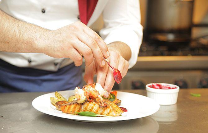 EN TOUCH AV PROFESJONALITET: Cateringo har per i dag 10 forskjellige cateringaktører tilknyttet plattformen.