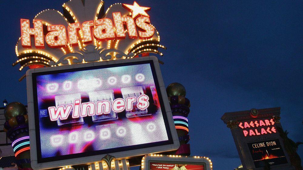 Ceasars Palace og Harrah's Las Vegas er to av kasinoene som innfører teknologi som automatiserer gratis drikke-praksisen.