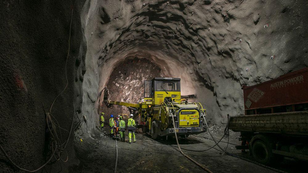 I slutten av april reiser 20 norske tunneleksperter til Kina for å lære bort den norske metoden for bygging av tunnel og bergrom. På bildet vises drivingen av Follobanetunnelen ved Oslo sentralbanestasjon.