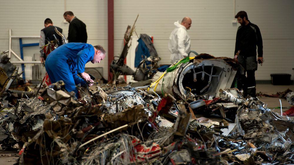Statens havarikommisjon for transport viste fram vrakdelene kort tid etter Turøy-ulykken for et år siden.